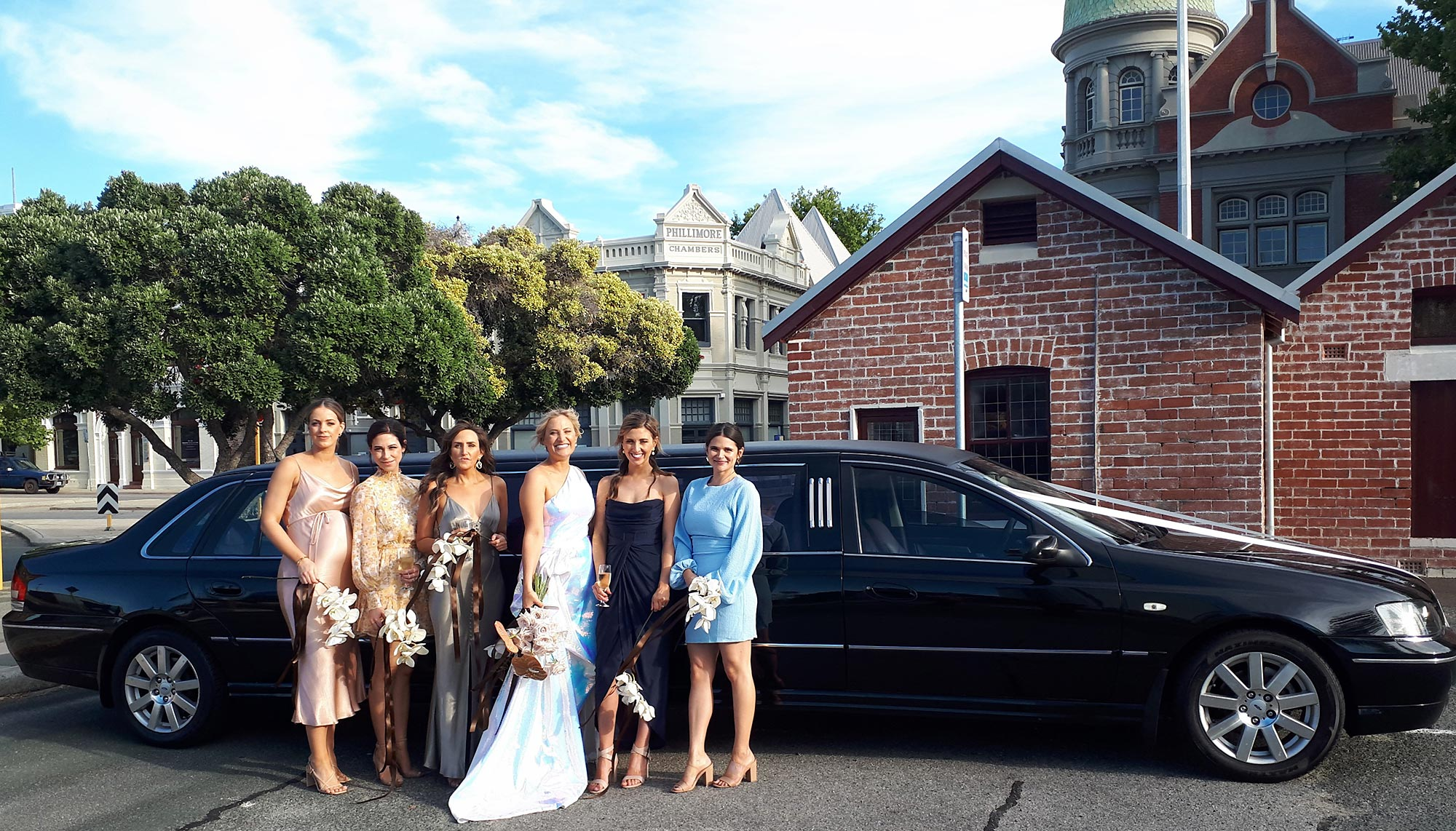 Perth limo hire. Affordable luxury. Tailored packages. 0409 013 413.